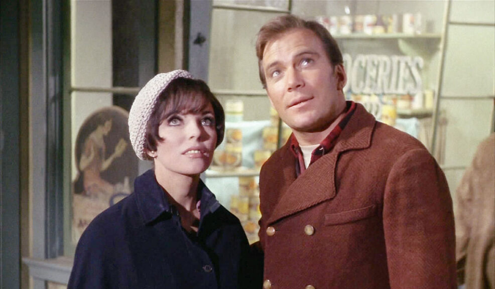"""Star Trek, The Original Series, episode """"The City on the Edge of Forever"""" first broadcast on April 6, 1967. From left, Joan Collins (as Edith Keeler) and William Shatner (as Captain James T. Kirk) in year 1930. Image is a screen grab. (CBS via Getty Images)"""
