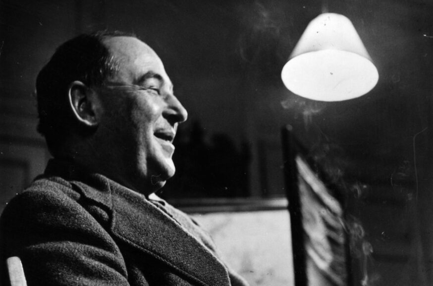 25th November 1950: English novelist and scholar Clive Staples Lewis (1898 - 1963), a fellow and tutor of Magdalen College, Oxford in his college rooms. Original Publication: Picture Post - 5159 - Eternal Oxford - pub. 1950 (Photo by John Chillingworth/Picture Post/Hulton Archive/Getty Images)